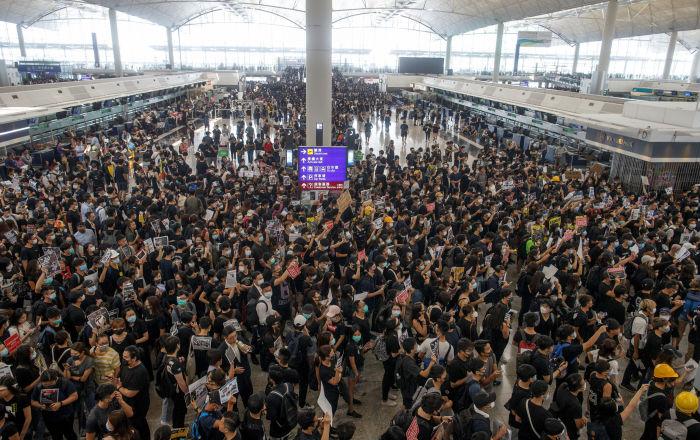 ما هو مشروع القانون الذي تعتزم الصين تمريره وأثار غضب هونغ كونغ