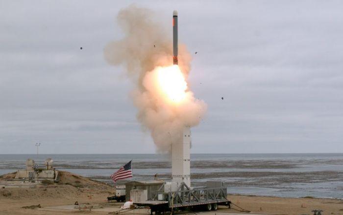 خبير يكشف عن أزمة نووية بسبب الصاروخ الأمريكي الجديد