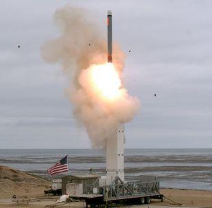 مناورات أمريكية باستخدام صاروخ كروز المحظور وفق معاهدة الصواريخ