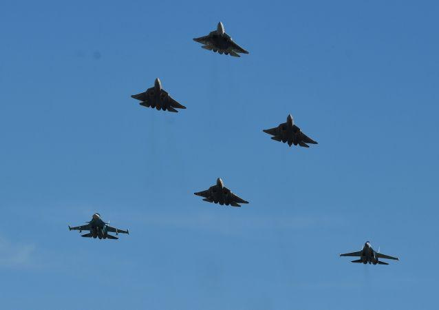 المقاتلات الروسية سو-57 وسو-34 وسو-35