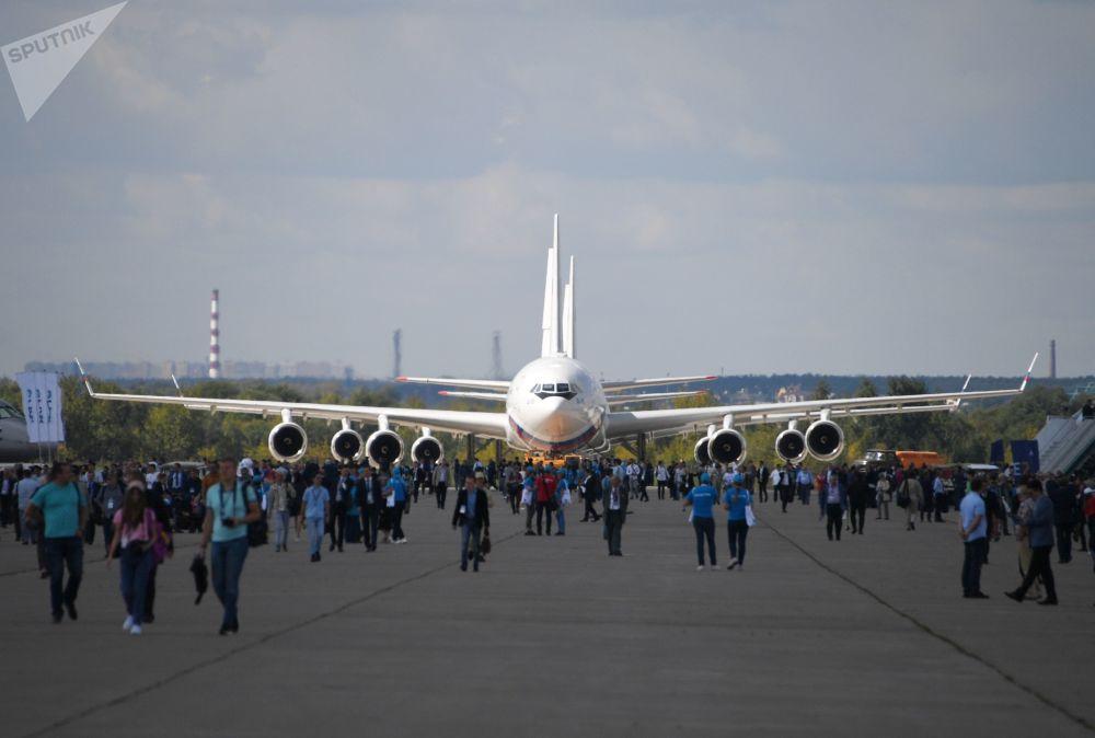 طائرة إل-96 - معرض ماكس 2019 للطيران الجوي في مطار جوكوفسكي في ضواحي موسكو، 27 أغسطس/ آب 2019