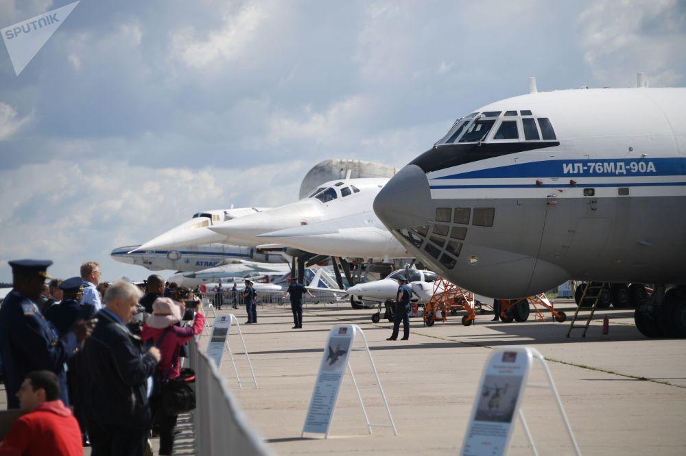 طائرة سوفيتية إل-76 - معرض ماكس 2019 للطيران الجوي في مطار جوكوفسكي في ضواحي موسكو، 27 أغسطس/ آب 2019