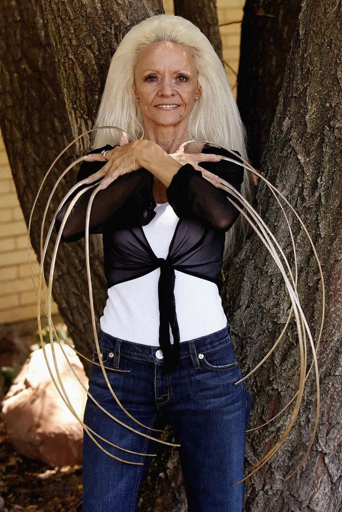 لي ريدموند، صاحبة الرقم القياسي لـأطول الأظافر في العالم، 2006