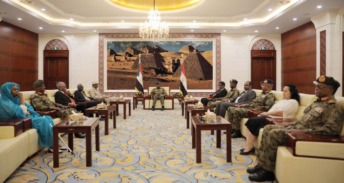 السودان يقر تعديلات دستورية تسمح لأعضاء مجلسي السيادة والوزراء بالترشح للانتخابات
