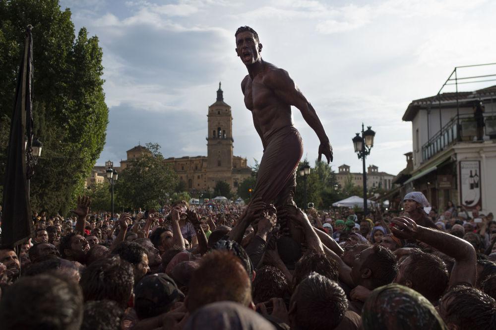 المشاركون في مهرجان كاسكاموراس، إسبانيا 9 سبتمبر 2019