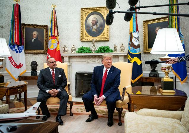 الرئيس الأمريكي دونالد ترامب مع ولي عهد البحرين الأمير سلمان بن حمد آل خليفة
