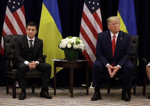 الرئيس الأمريكي دونالد ترامب يلتقي بنظيره الأوكراني فلاديمير زيلينسكي في نيويورك، 25 سبتمبر 2019