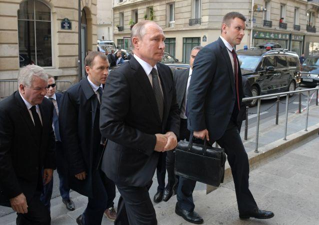 الرئيس فلاديمير بوتين في جنازة الرئيس الفرنسي الأسبق الراحل جاك شيراك في باريس، فرنسا 30 سبتمبر 2019