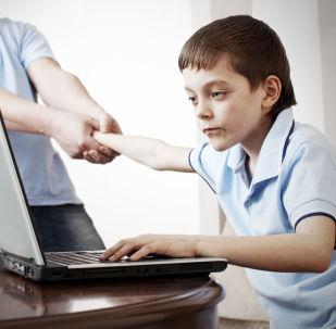 كيفية حماية الطفل أثناء تصفحه الانترنت