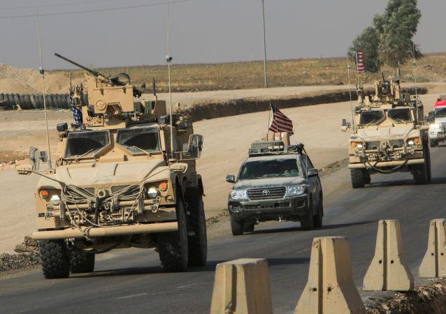 قوات الجيش الأمريكي المنسحبة من شمال سوريا، في ضواحي دهوك، العراق 21 أكتوبر 2019