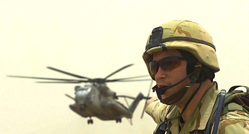 جندي تابع لقوات المارينيز  - الجيش الأمريكي