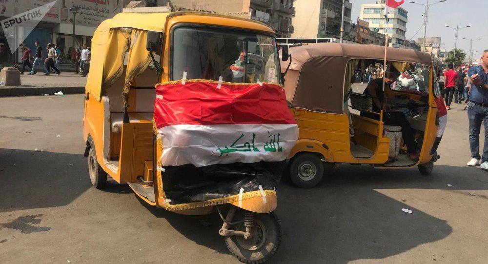 التك تك وسط مظاهرات العراق، 30 أكتوبر 2019