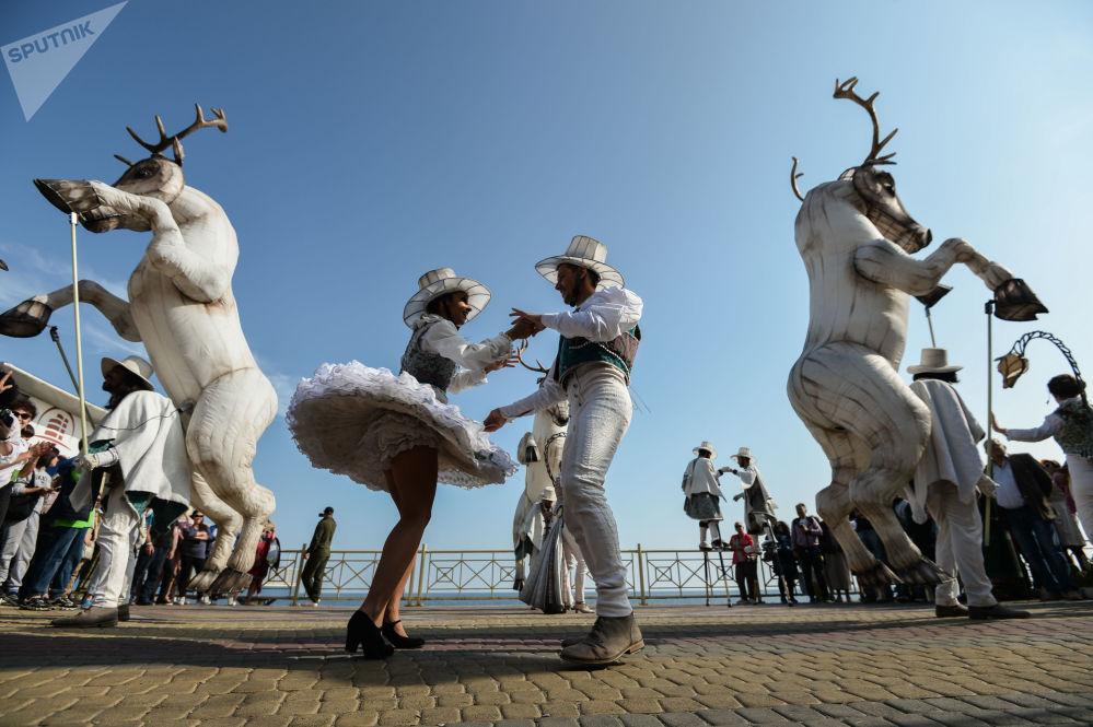 مهرجان الثقافة الحديثة والبيئة ألوشتا. غرين في مدينة ألوشتا في شبه جزيرة القرم