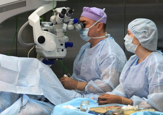 جراحة العيون