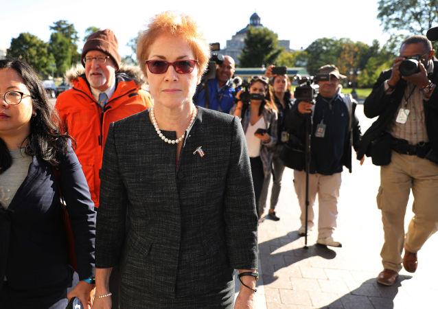 السفيرة الأمريكية لدى أوكرانيا ماري يوفانوفيتش