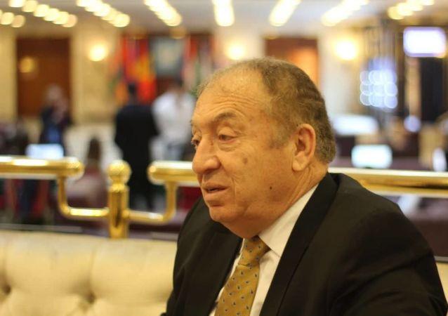 وزير الاقتصاد الوطني الفلسطيني، خالد العسيلي