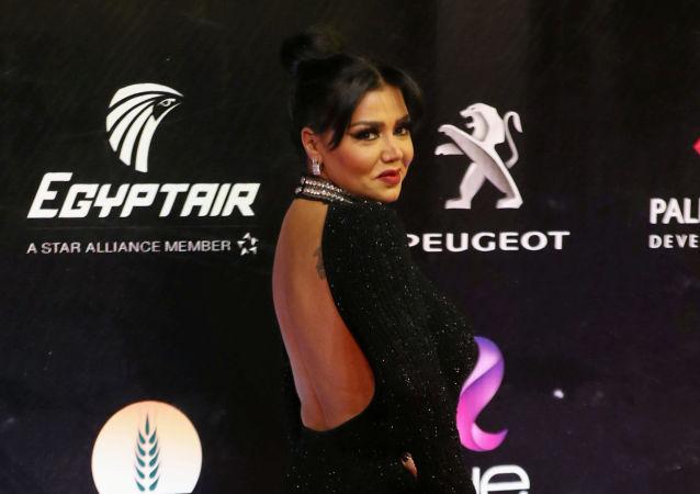 الفنانة المصرية رانيا يوسف في حفل افتتاح مهرجان القاهرة السينمائي الدولي الـ41، 20 نوفمبر/تشرين الثاني 2019