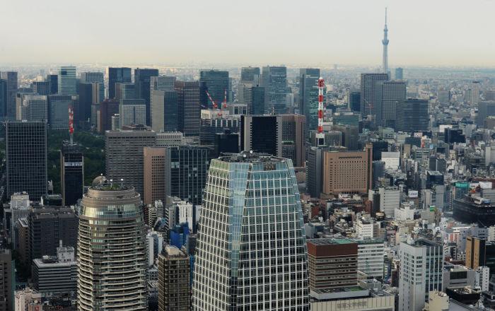 بحفاض قذر… مرشح يروج لنفسه عاريا ويسبب جدلا واسعا في اليابان… فيديو