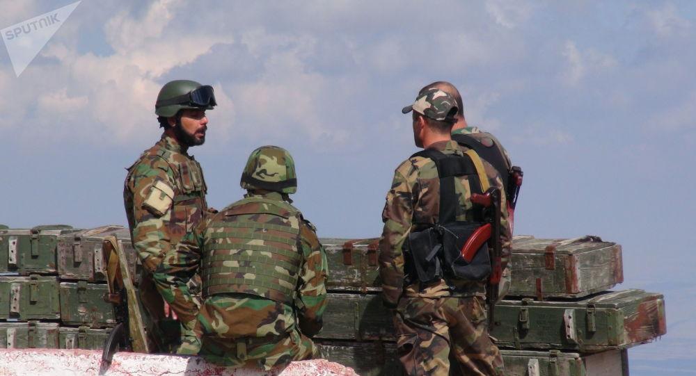 الحربي الروسي السوري يهدئ من اندفاع المسلحين الصينيين في ريف اللاذقية، سوريا