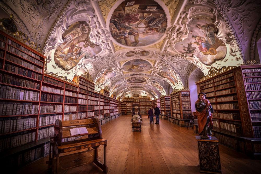 صورة لمكتبة دير ستراهوف في براغ، للمصور ديبداتا تشاكرابورتي، التي تأهلت إلى نهائي مسابقة التصوير التاريخي لعام 2019