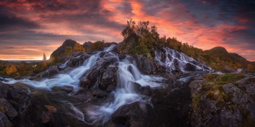 صورة شلال للمصور الإسباني كارلوس إف. تورينزو، الفائز في فئة هاوي - منظر طبيعي، في مسابقة ذي إبسون بانو الدولية لعام 2019