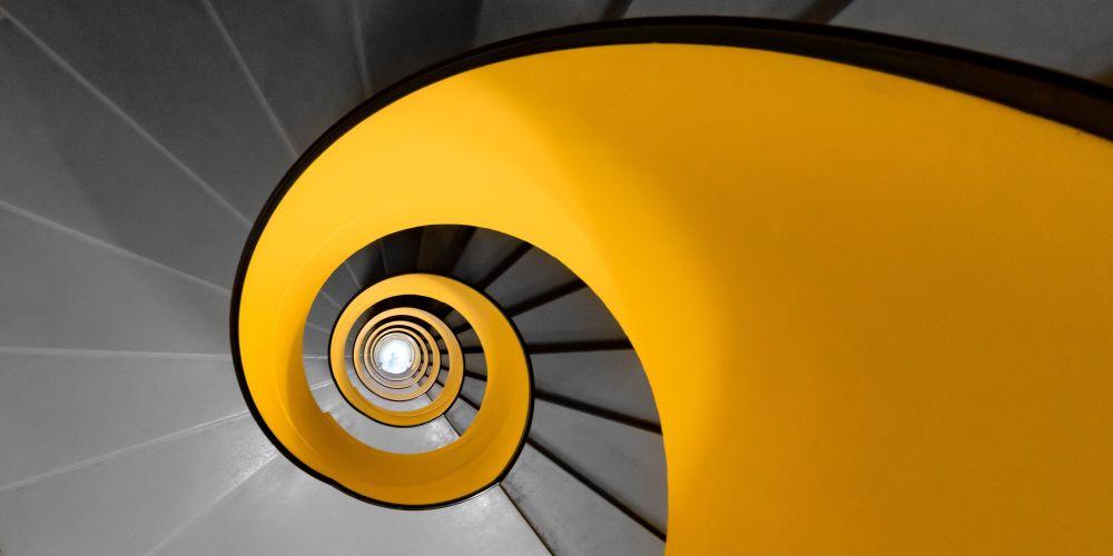 صورة لا تقم بضبط جهاز التلفزيون الخاص بك للمصور البريطاني ماثيو براوني، التي تأهلت إلى توب-50 من فئة مفتوح - بيئة البناء في مسابقة ذي إبسون بانو الدولية لعام 2019