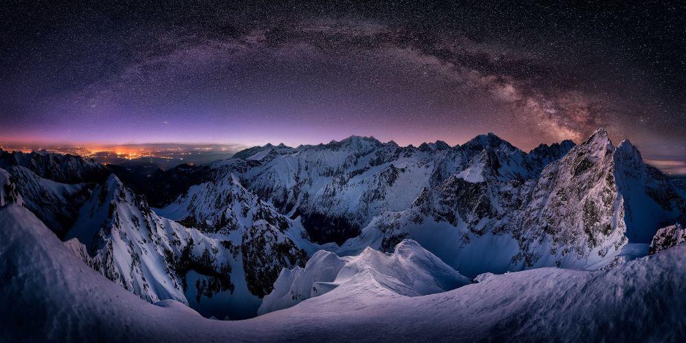 صورة ملايين النجوم في أعالي جبال تاترا للمصور التشيكي جيري بيندا، التي دخلت فئة توب-50 من فئة هاوي - منظر طبيعي في مسابقة ذي إبسون بانو الدولية لعام 2019