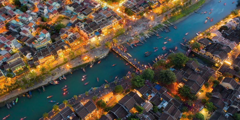 صورة هوي آن البلدة القديمة للمصور الفيتنامي تران مينه دانغ، التي دخلت توب-50 في فئة مفتوح - بيئة البناء في مسابقة ذي إبسون بانو الدولية لعام 2019