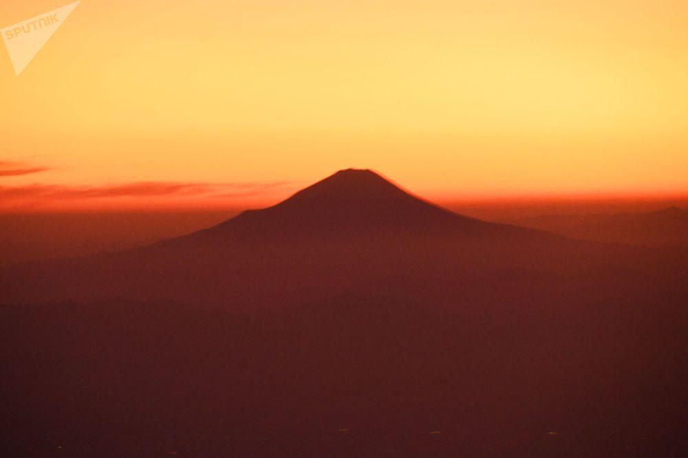 بركان فوجي في اليابان