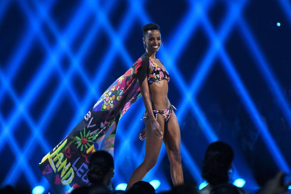 ممثلة جنوب أفريقيا زوزيبيني تونزي، أتلانتا، جورجيا 8 ديسمبر 2019