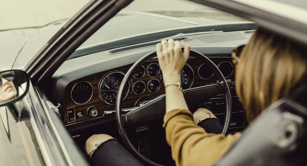 طريقة قيادتك للسيارة قد تشير إلى أعراض مبكرة لمرض ألزهايمر