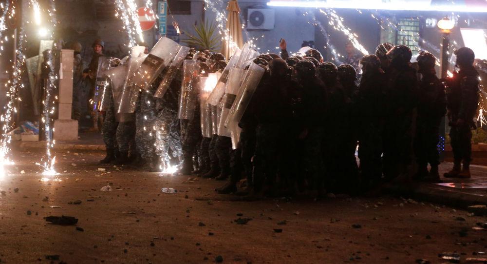 احتجاجات مناهضة للحكومة اللبنانية في بيروت، لبنان 20 ديسمبر 2019