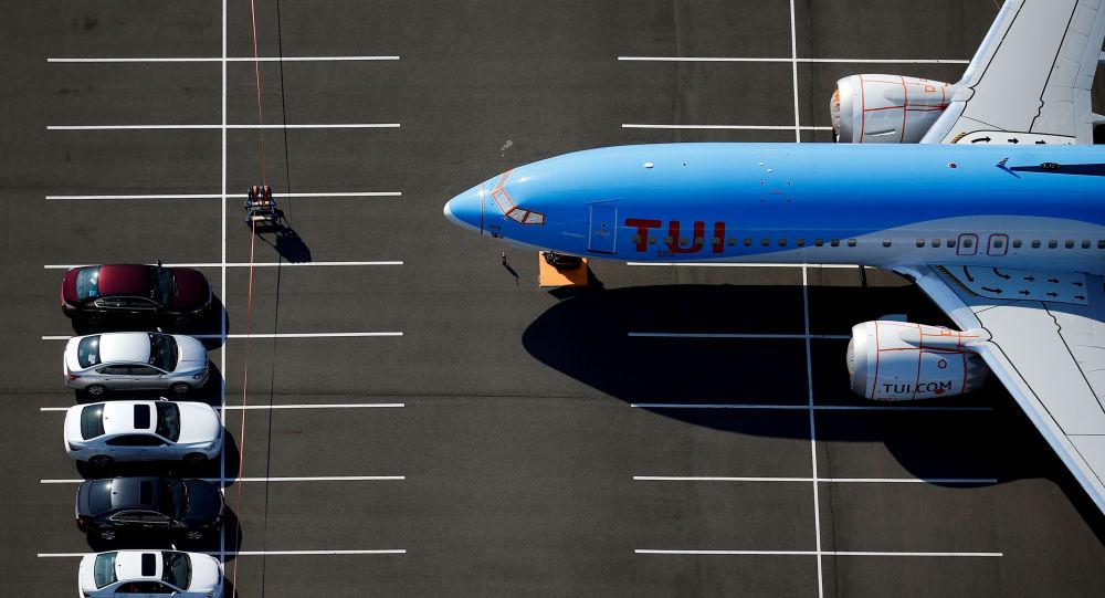 طائرة بوينغ التابعة للخطوط الجوية توي
