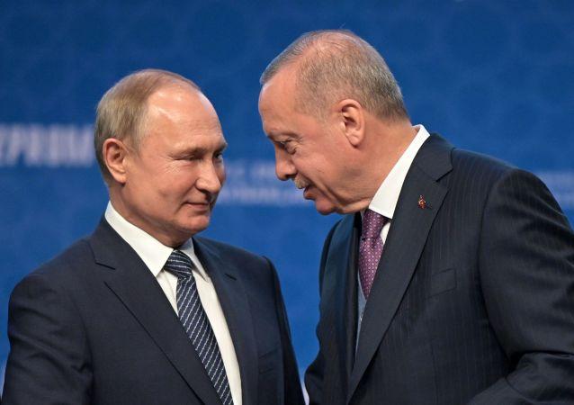 تدشين التيار التركي بحضور الرئيس الروسي فلاديمير بوتين والرئيس التركي رجب طيب أردوغان، 8 يناير 2020