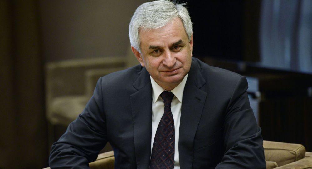 الرئيس الأبخازي راؤول خاجيمبا