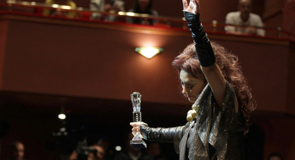 الفنانة المصرية نبيلة عبيد خلال تكريمها في مهرجان دمشق السينمائي الدولي، 13 نوفمبر/ تشرين الثاني 2010