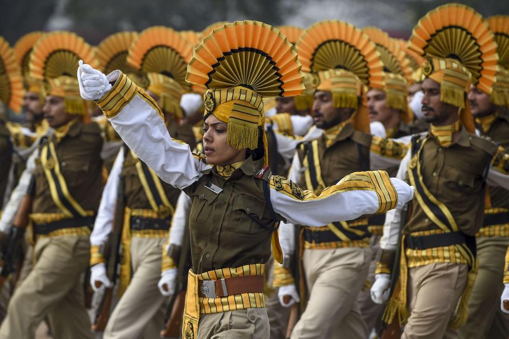 الجيش الهندي في عرض عسكري بمناسبة يوم الجمهورية في نيودلهي، الهند 20 يناير 2020
