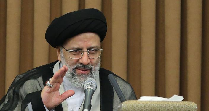 من هو الرئيس القادم في إيران... بعد المناظرة الأولى بين المرشحين