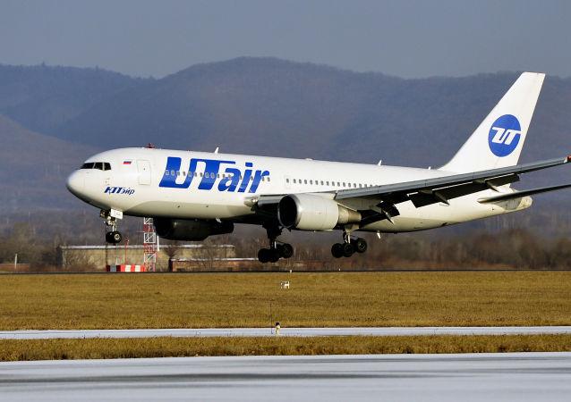 طتئرة تابعة للخطوط الجوية تو تير