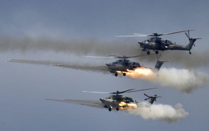 """""""مي-28"""" تدمر مدرعات خلال التدريبات في الجزائر… فيديو"""