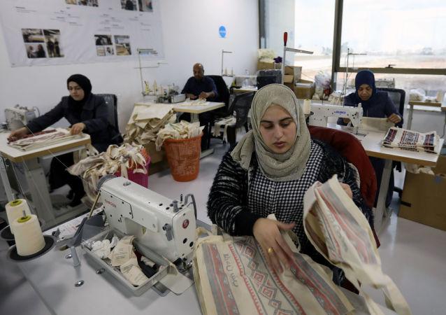 نساء أردنيات يعملن