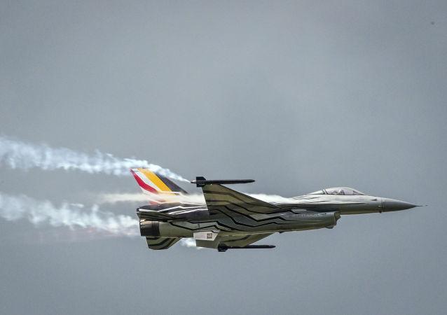 بلجيكية F-16