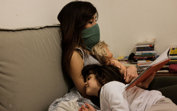 """المفضل لدى الغالبية… أكثر مكان يختبئ فيه فيروس """"كورونا"""" داخل منزلك"""