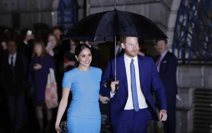 """الأمير هاري وزوجته  يطالبان بريطانيا بالاعتراف بـ""""الماضي الاستعماري"""""""