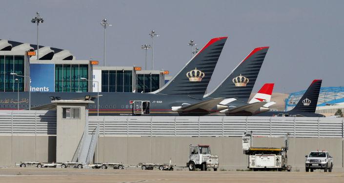 الحكومة الأردنية تحسم الجدل بشأن حظر السفر الجوي من المملكة وإليها