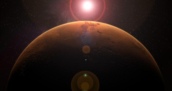 """مسبار فضائي يرصد توهج أخضر """"مخيف"""" في المريخ.. صور وفيديو"""