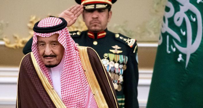 """""""بنظرة واحدة منه""""... تركي آل الشيخ يغرد عن الملك سلمان"""
