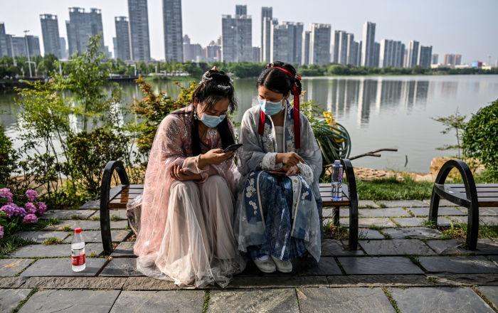 الصين تفتتح أعلى أرجوحة في العالم بسرعة 130 كيلومتر في الساعة.. فيديو
