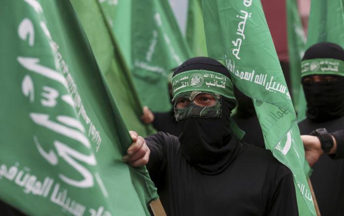 حماس ترد على تصريحات السفير الإماراتي في واشنطن