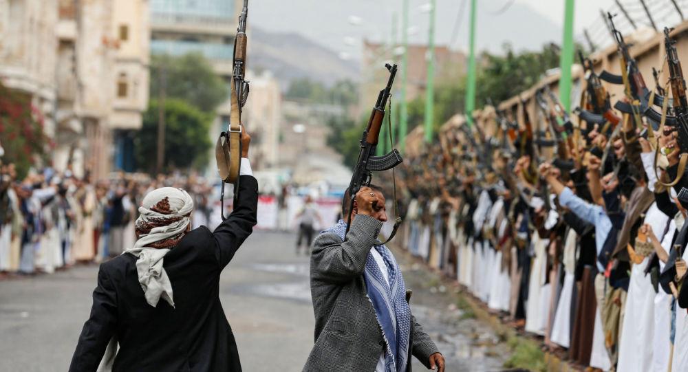 """اليمن.. الحوثيون يتوعدون التحالف العربي بـ """"رد"""" على استمرار عملياته العسكرية"""